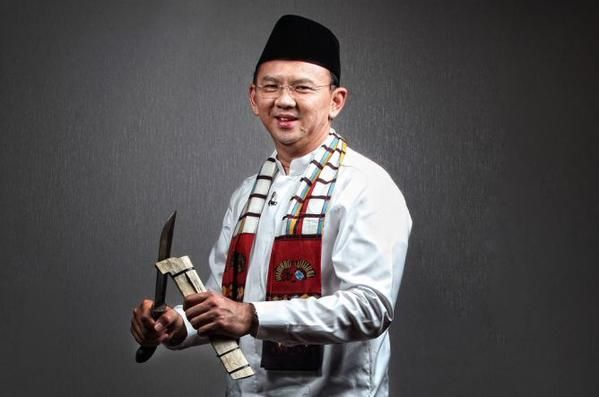 ahok_in_outfit_0